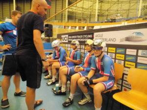 Juniorky před stíhacím závodem družstev